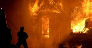 В района на яз. Жребчево горяха къщи за гости в новогодишната нощ
